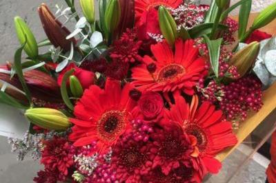 theflowershop-floresadomicilio-floresporsuscripcion-flores_por_membresia_bouquet_flores_bouquet_rosas_rojas-400x266_1
