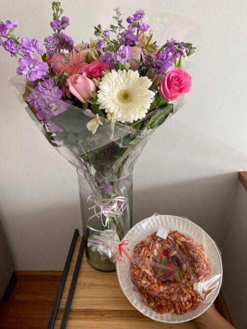 theflowershop-floresadomicilio-floresporsuscripcion-flores_por_membresia_bouquet_flores-boquet_con_churritos