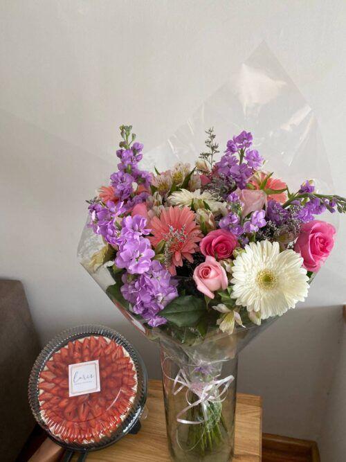 theflowershop-floresadomicilio-floresporsuscripcion-flores_por_membresia_bouquet_flores-bouquet_con_mostachon
